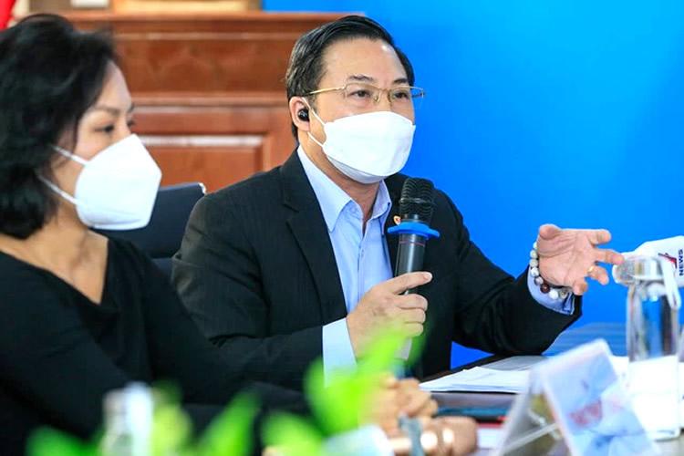 Tiến sĩ luật Lưu Bình Nhưỡng: Phan Anh, Thủy Tiên hay Thái Thùy Linh đều đang mò mẫm khi làm từ thiện - Ảnh 1.