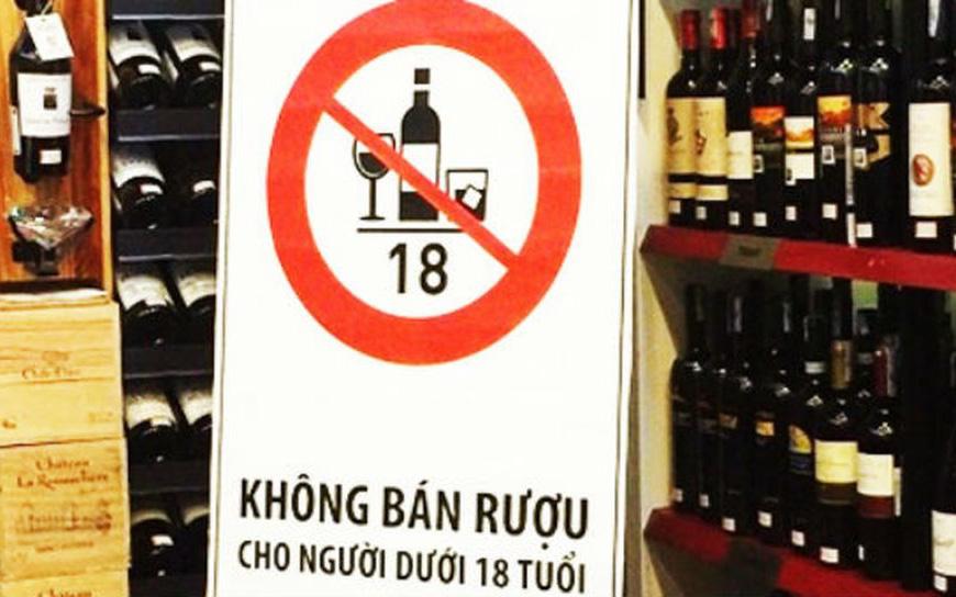 Người  dưới  18 tuổi uống rượu, bia sẽ bị phạt