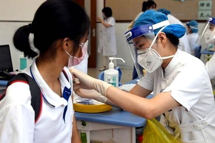 TPHCM bắt đầu tiêm vắc xin cho trẻ từ 12 – 17 tuổi trong tháng 10